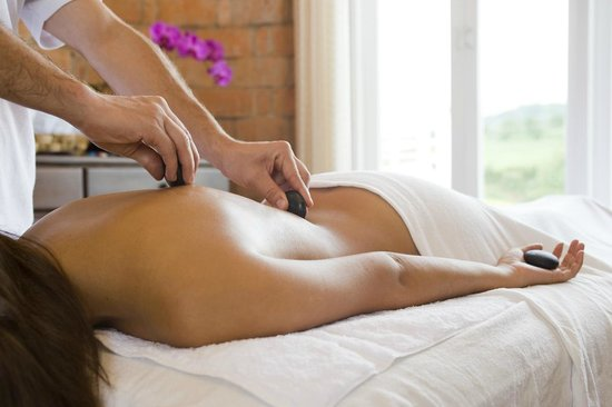 Asclepios Wellness & Healing Retreat: Healing stone massage