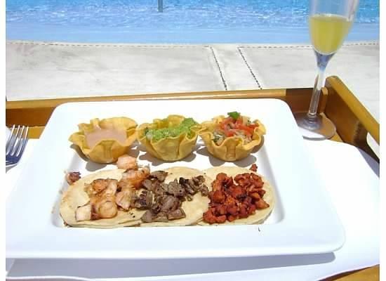 Grand Velas Riviera Nayarit: Poolside taco lunch