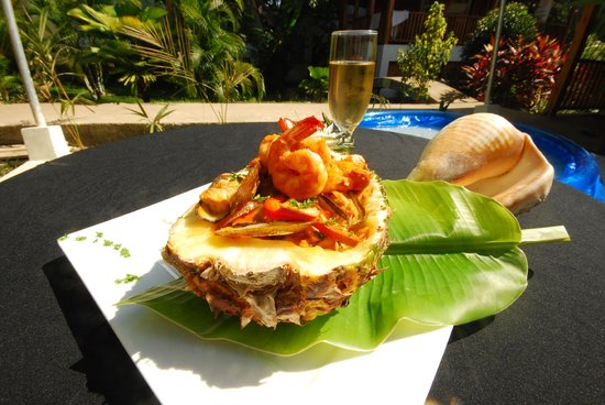 Restaurante Alma de Santa Teresa: Pineapple Bed