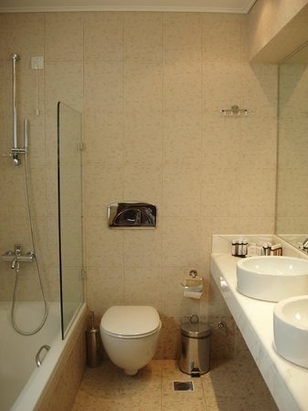 Porto Galini Seaside Resort & Spa: no 119 bathroom