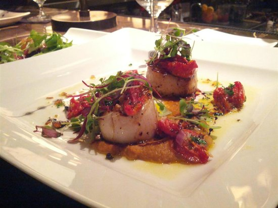 Newton's Table : Seared scallops. Delish.