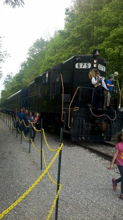 Bluegrass Scenic Railroad and Museum : Engine.