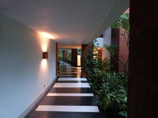 Alila Diwa Goa: Pasillo de la habitación