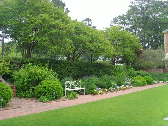 Spa Of Colonial Williamsburg: Another View Of The Spa Gardens.