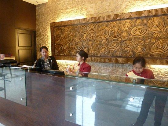 Gino Feruci Kebonjati Bandung: Zona recepción
