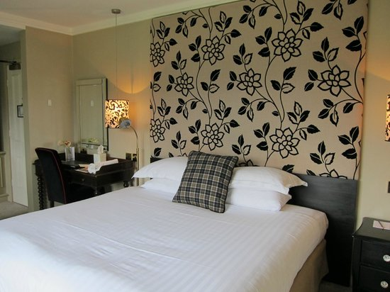 The Devonshire Arms Hotel & Spa: Individually styled rooms with some antique furniture