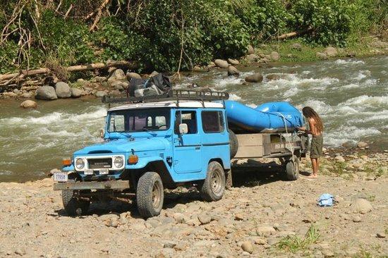 Costa Rica Descents: Saliendo del rio