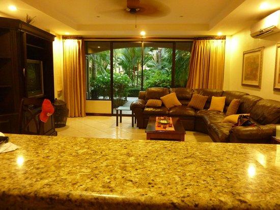 Monte Carlo Condominium: VIEW OF LIVINGROOM FROM KITCHEN