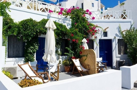 Thea  Studios-Rooms: Balcony terrace..