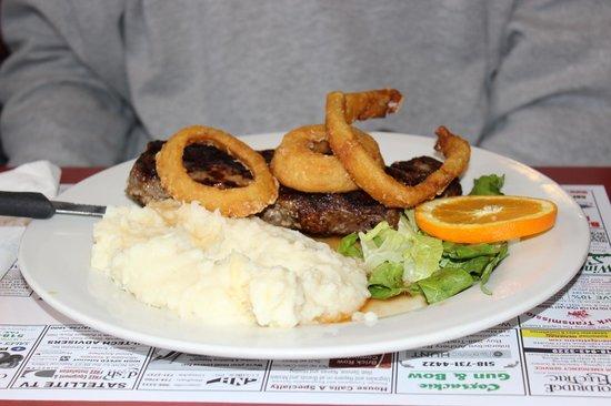 Ravena Diner & Restaurant: Steak & Mashed