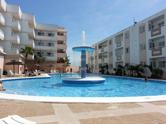 Panoramic Apartments: nice pool, bit salty