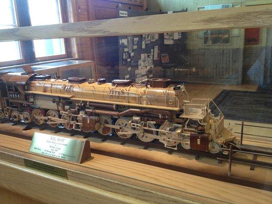 Cheyenne Depot Museum: Handmade Model of Big Boy 4004