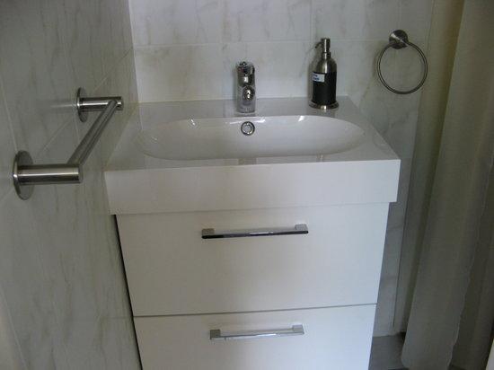 Excellent Rooms : Bathroom