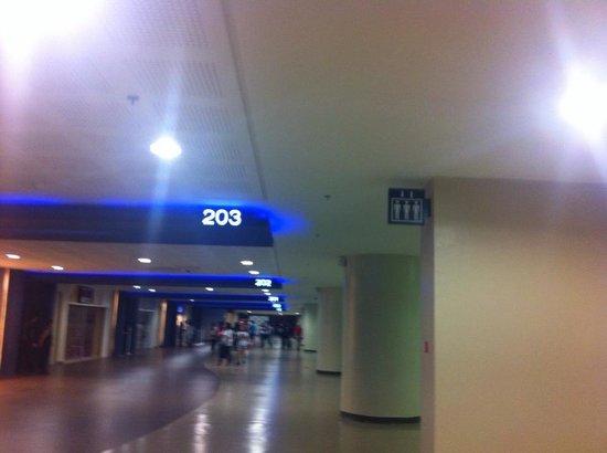 Mall of Asia Arena: Spacious Hallway