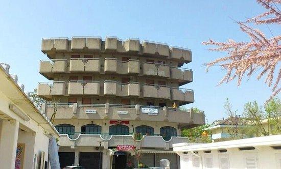 Emejing Residence Le Terrazze Gallery - House Design Ideas 2018 ...