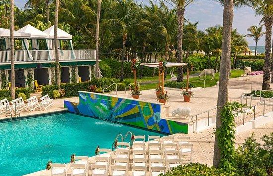 Kimpton Surfcomber Hotel Pool Wedding Ceremony