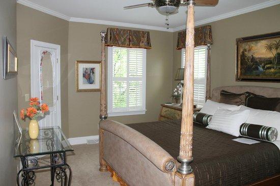 Edna Inn : Charleston Room