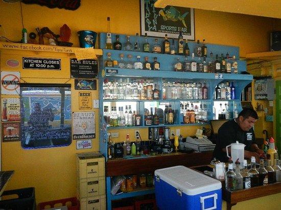 Tipsy Tuna : I love this bar.