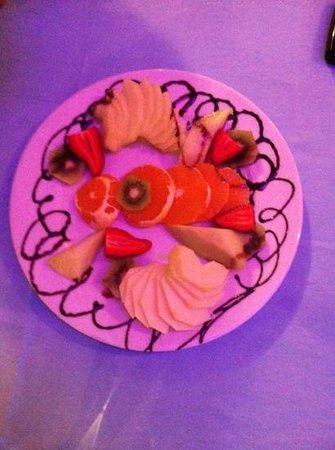 Denizcede yemekten sonra ikram meyve tabağınız