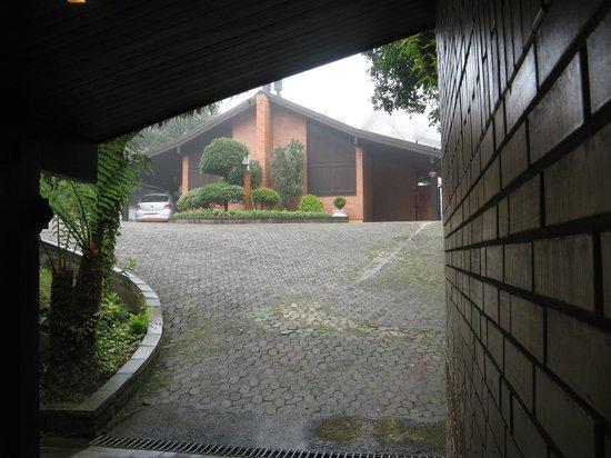Hotel Recanto da Serra: cabanas / chalés com garagem.
