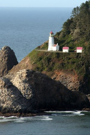 Heceta Head Lighthouse: Lighthouse from Highway Overlook