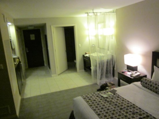 DoubleTree Resort by Hilton Hollywood Beach: large room