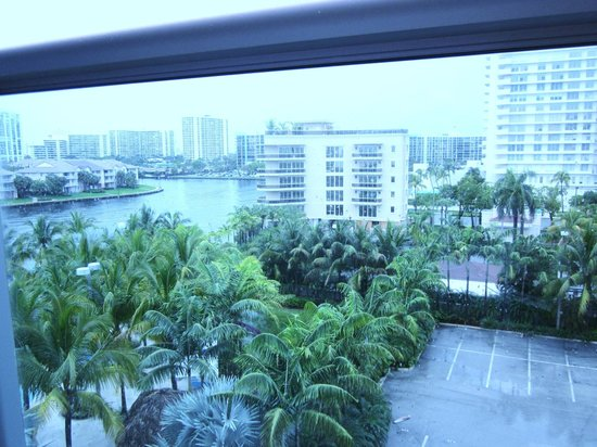 DoubleTree Resort by Hilton Hollywood Beach: View from Balcony