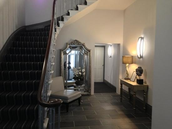 22 Lansdown Place: Hallway