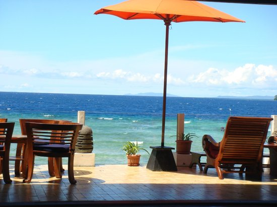 Bunaken Cha Cha Nature Resort: Amazing blue sea