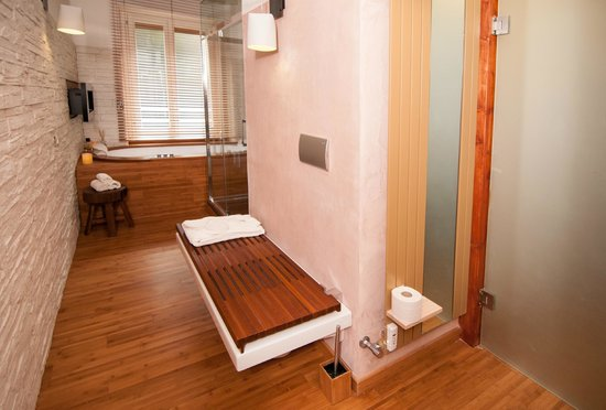 Midori Oriental Suite : suite Golden Lotus - panca wc e bidet