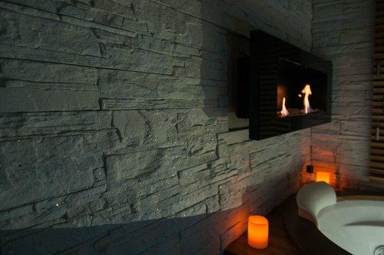 Midori Oriental Suite : suite Golden Lotus - biocamino & Jacuzzi