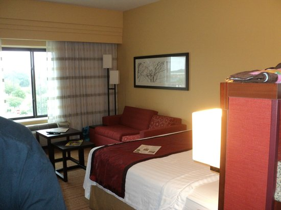 Courtyard Jacksonville I-295/East Beltway: our room