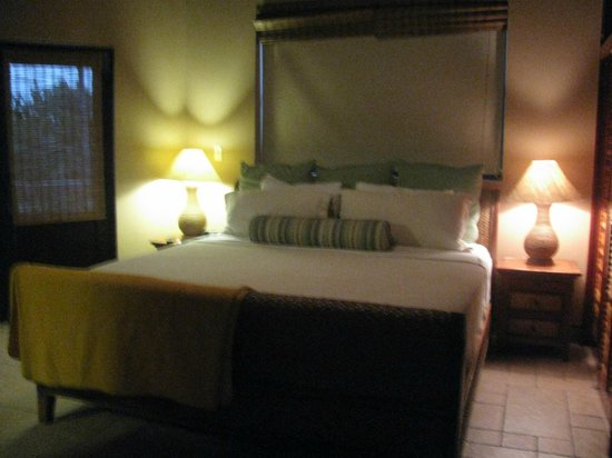 Coco Beach Resort: One of the bedrooms in our suite.