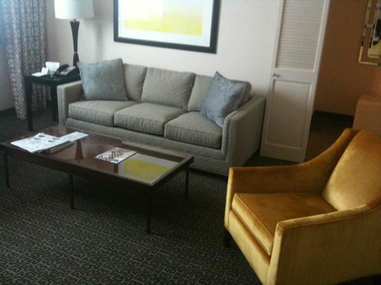 State Plaza Hotel: Living room/Study