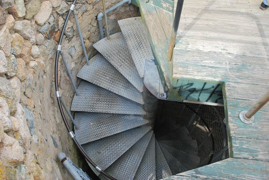 Scargo Tower: winding staircase