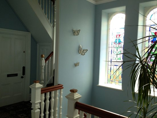 Treventon Guest House: B&B stairway