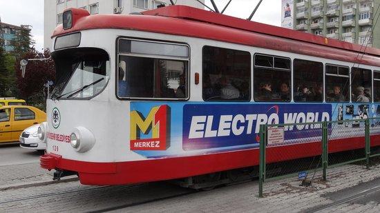 Meram Park Hotel : Oldfashioned tramway in Konya