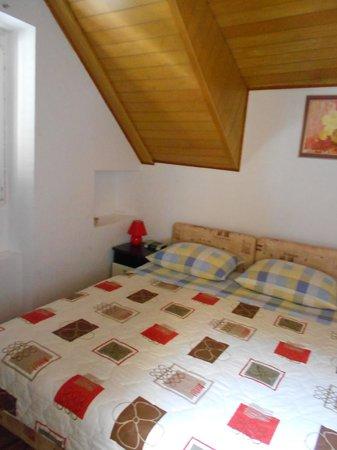 bedroom picture of apartments suzi split tripadvisor
