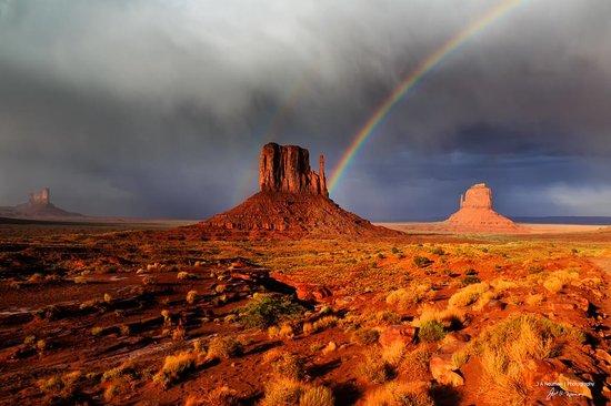 Monument Valley Safari: Mitten Rainbow