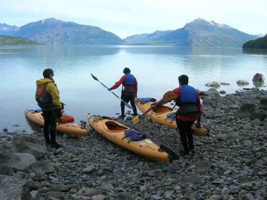 Hostal Bellavista Patagonia: Excursión kayak en fiordo