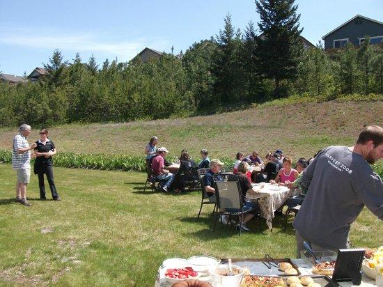Coeur d'Alene Cellars: Behind the winery, bottling volunteers/staff lunch