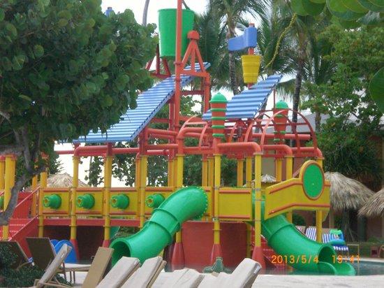 Iberostar Bavaro Suites: Kids water slides