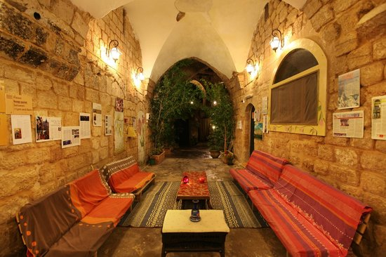 Fauzi Azar Inn by Abraham Hostels: Sitting area
