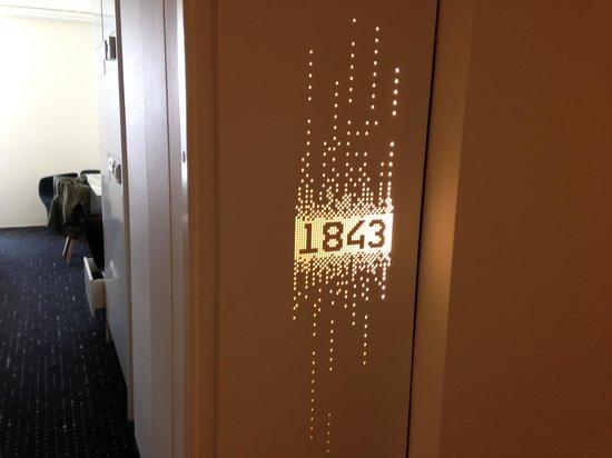 AC Hotel by Marriott Bella Sky Copenhagen: The lighted room number ... Beautiful!
