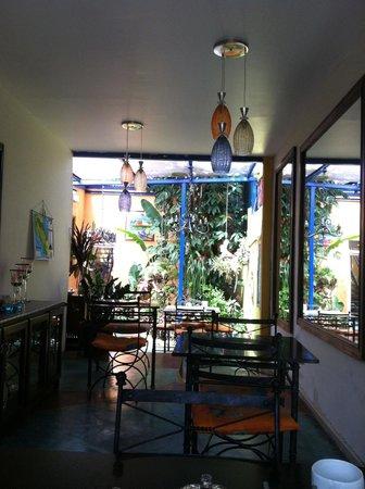 Casa 69: Dining area