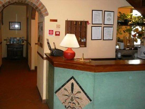 Hotel Monica : Reception