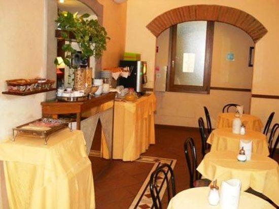 Hotel Monica: Saletta colazioni