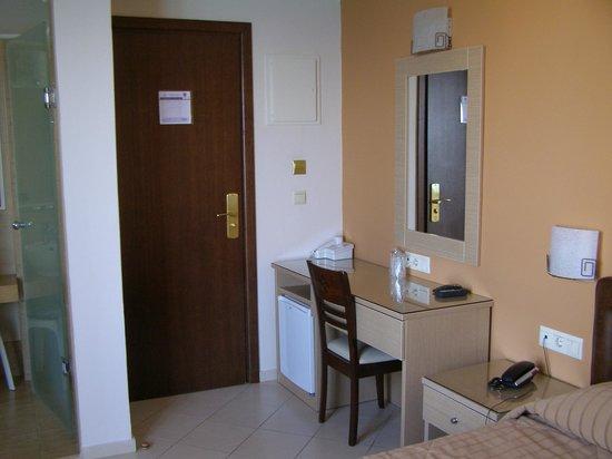 크로노스 호텔 사진