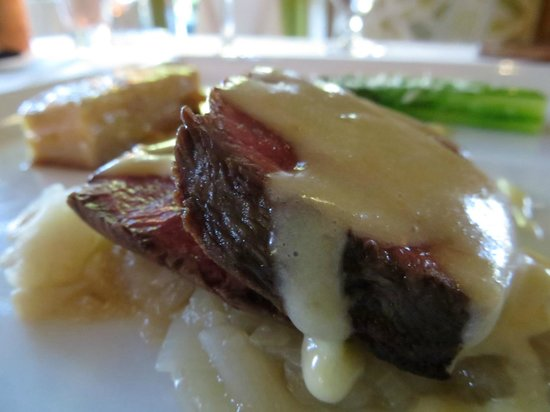 Dry Creek Kitchen: beef course, delicious!