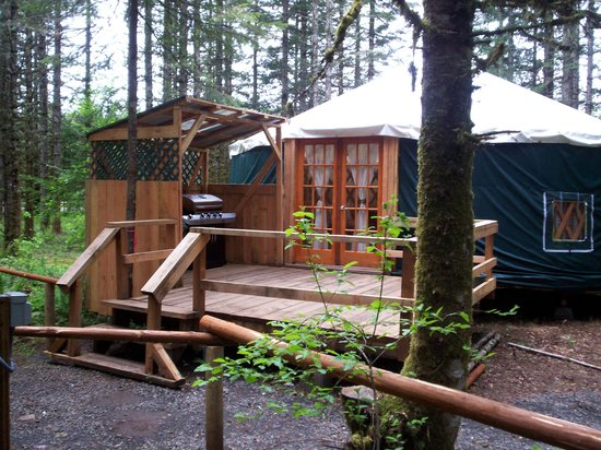 Scotts Mills, OR: Yurt Rentals